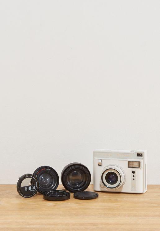 كاميرا بعدسات بورا بورا