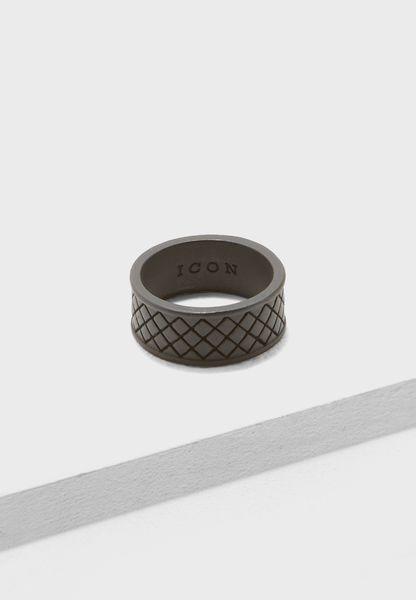 خاتم كبير الحجم