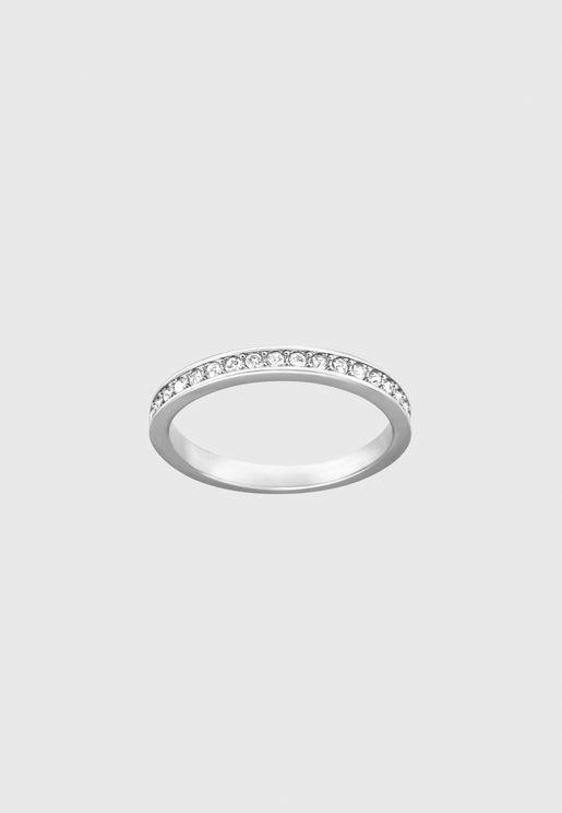 خاتم مطلي بالروديوم