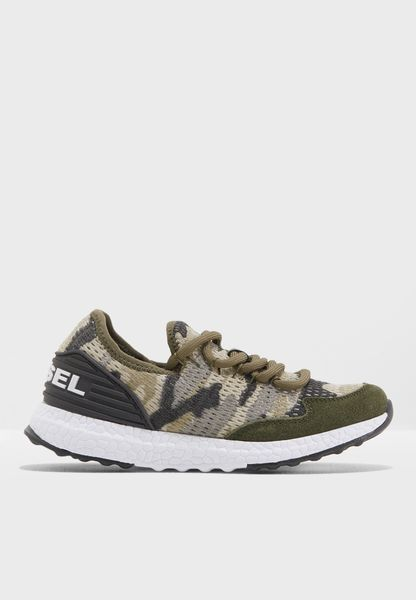 Youth Camo Sneaker