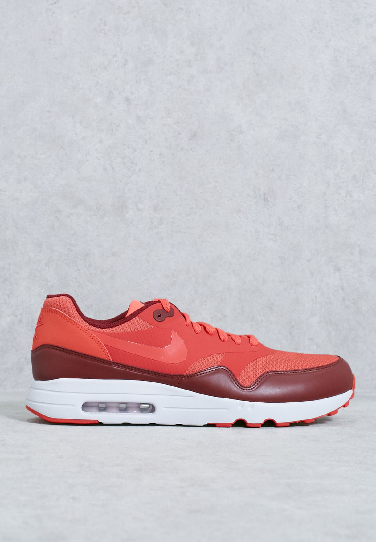Shop Nike red Air Max 1 Ultra 2.0 Essential 875679-601 for Men in ... 16339847a