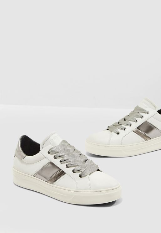 Sonic Band Low Top Sneaker