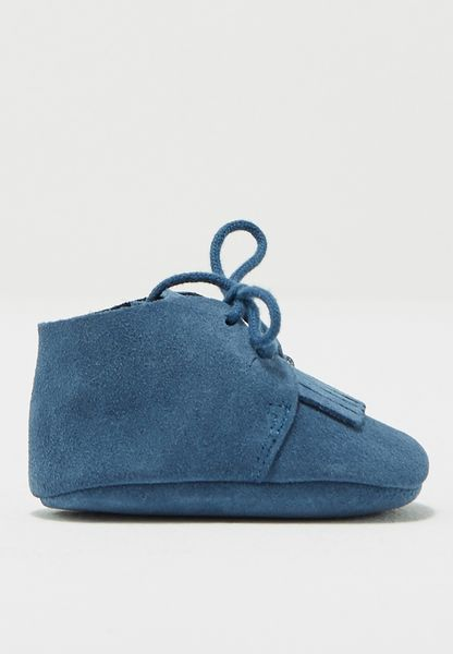 Infant Fringed Leather Shoe