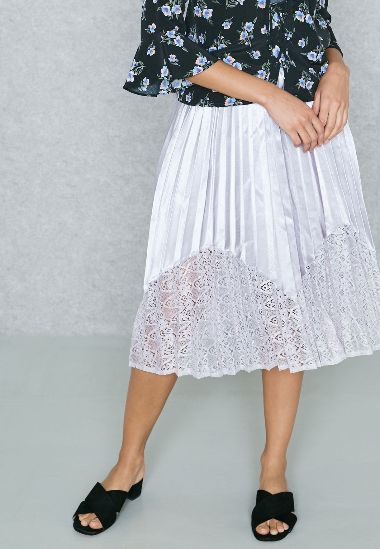 9496e7e288 Shop New Look purple Lace Detail Pleated Skirt 519086923 for Women ...