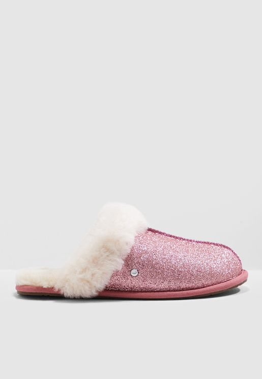 95d42ea4cc0 UGG Online Store | UGG Shoes, Boots, Sneakers Online in Kuwait - Namshi
