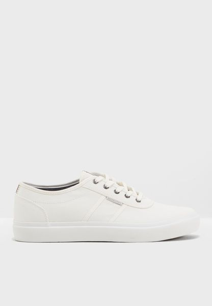 Waustin Sneakers