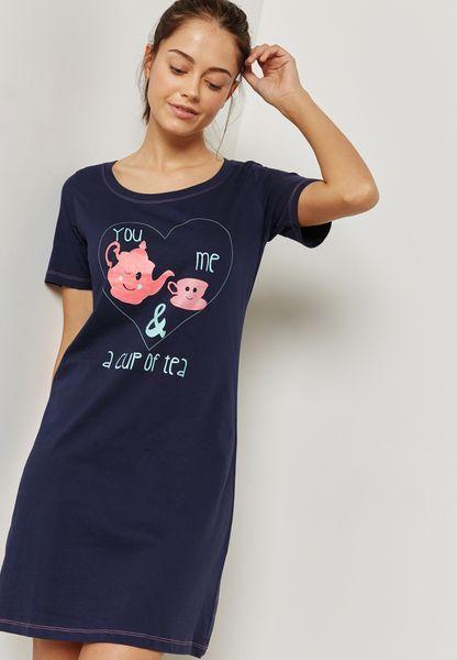 قميص نوم بطباعة جرافيك