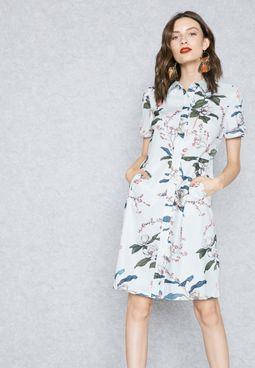 فستان بنمط قميص بطبعات ازهار