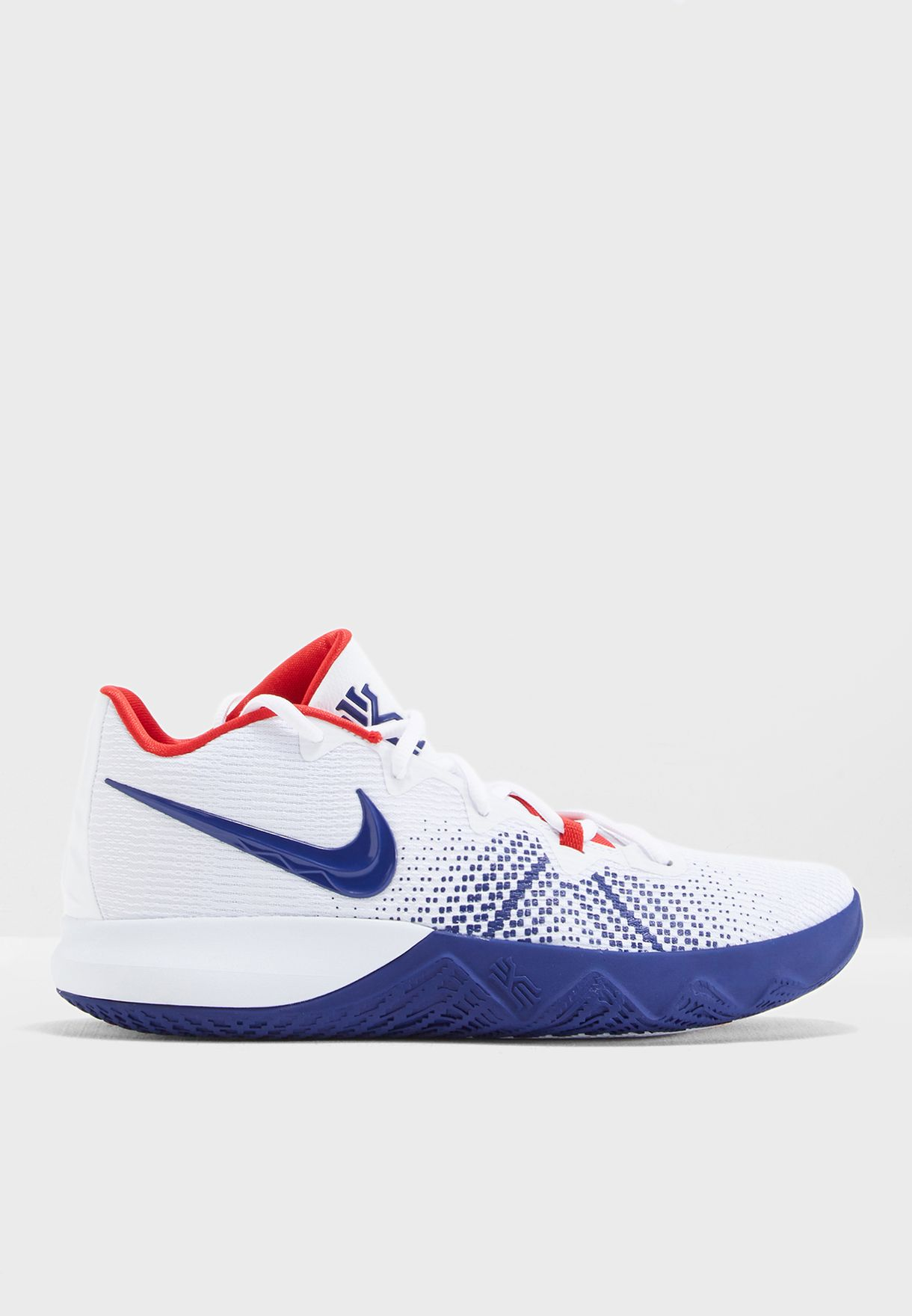 23baec7e3cd3 Shop Nike white Kyrie Flytrap AA7071-146 for Men in Saudi - NI727SH03WSI
