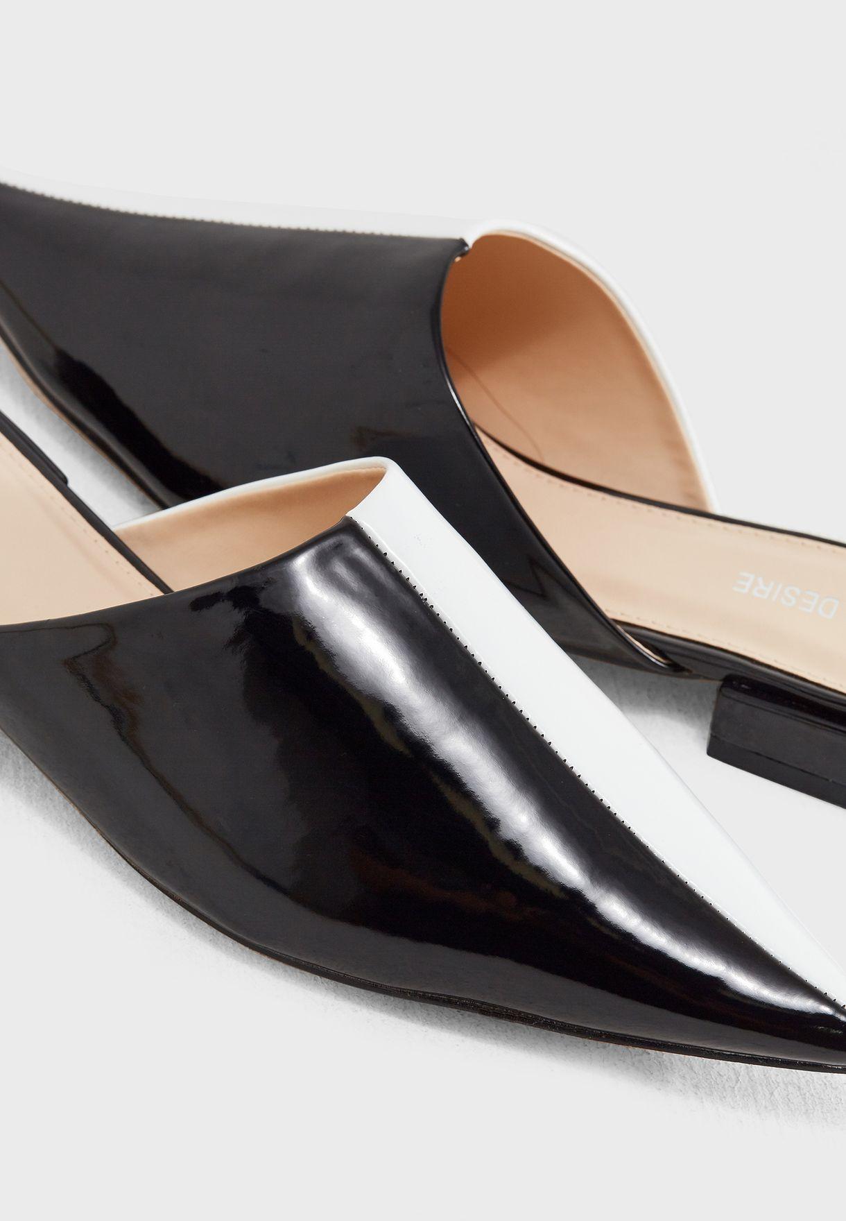 حذاء  بلونين