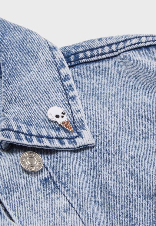 Skull Design Pin Badge