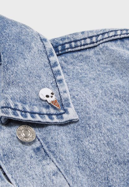Skull Design Pin Badge