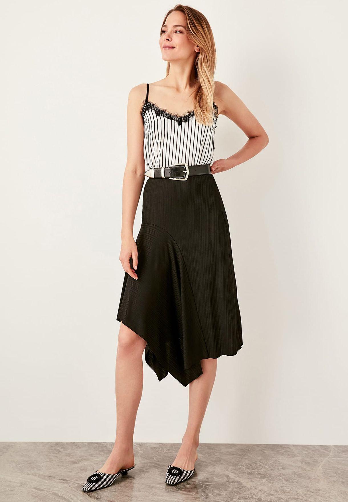 3d6fef9f61 Shop Trendyol black Asymmetric Plisse Skirt TWOSS19VE0001 for Women ...