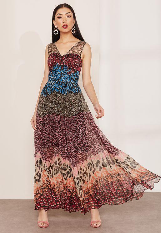 فستان بنمط كتل الالوان وطبعات جلد حيوان