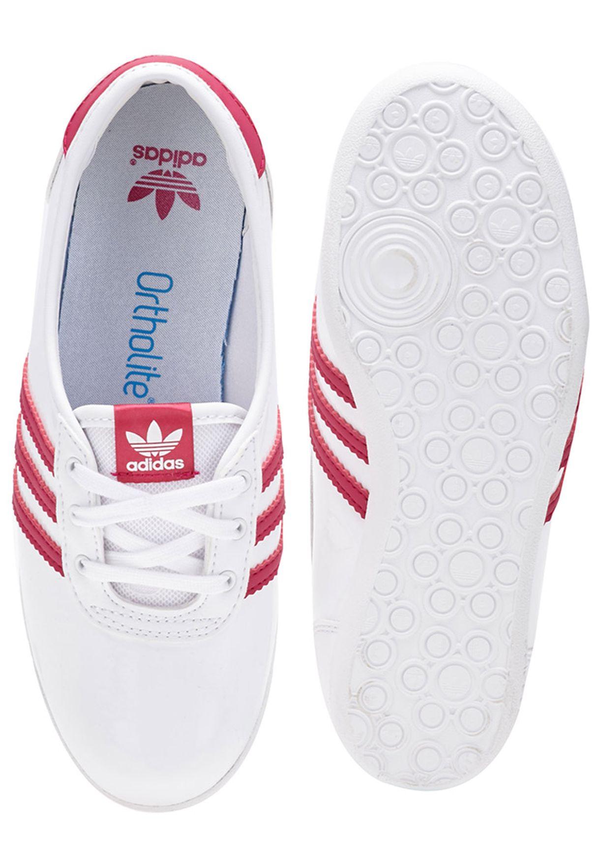 fe56f24d1e5 Shop adidas Originals white Forum Slipper 2.0 Youth B25032 for Kids ...