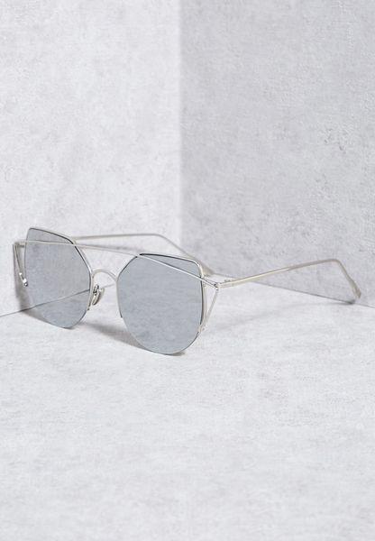 نظارة شمسية بشكل هندسي