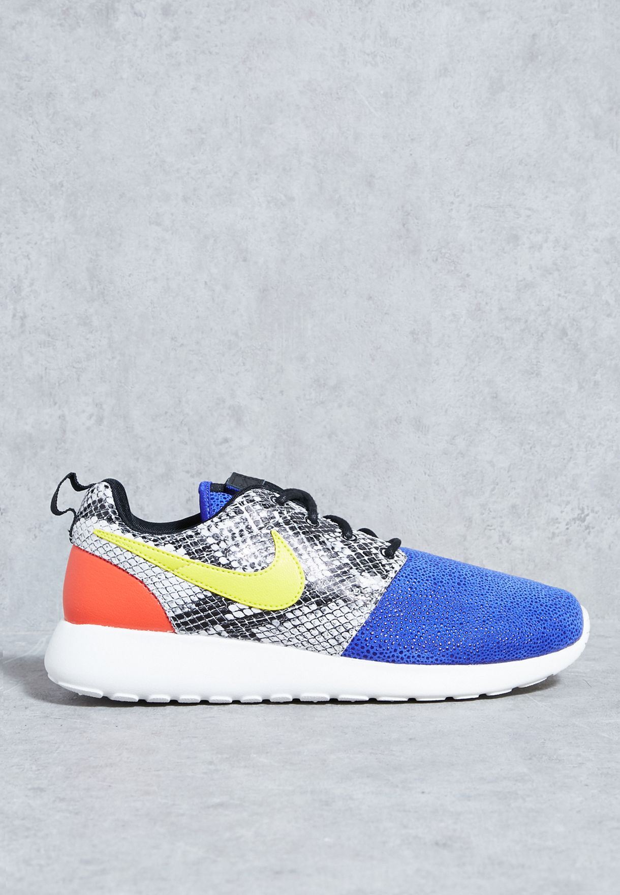 new styles b8a81 3b6e0 Shop Nike multicolor Roshe One LX 881202-400 for Women in Kuwait ...