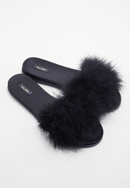 Fluffy Feather Slide