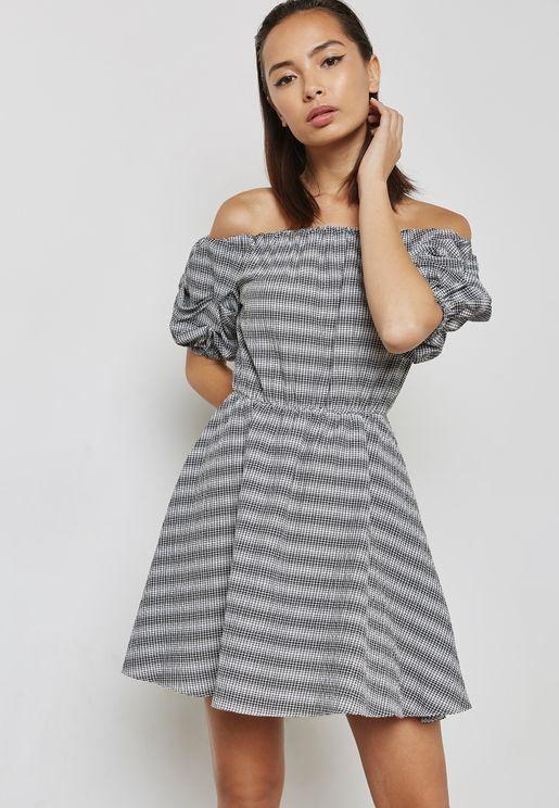 فستان مطبع باكتاف عارية