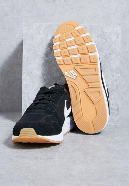 Nike. Nightgazer