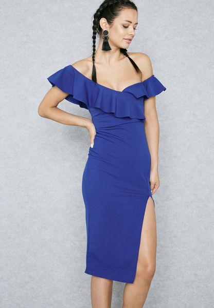 فستان بكتف عاري