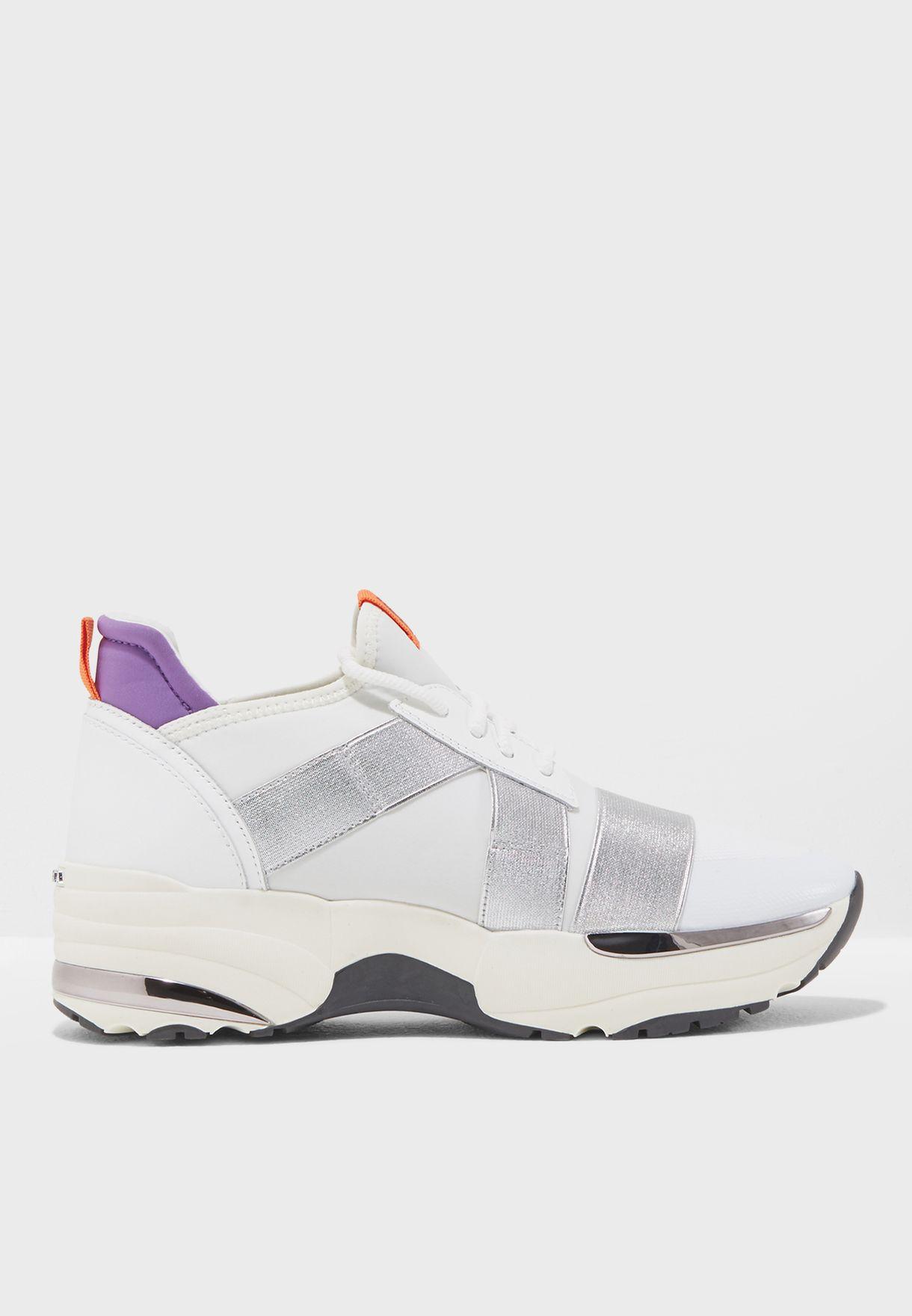 4e29ad2ad49 Shop Carvela white Lauryn Sneaker LAURYN NP for Women in UAE ...