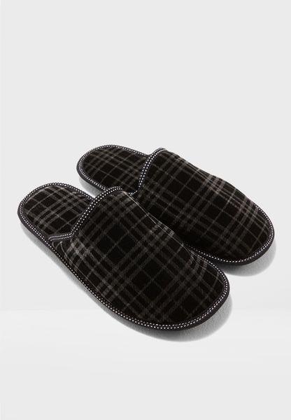 حذاء مربعات