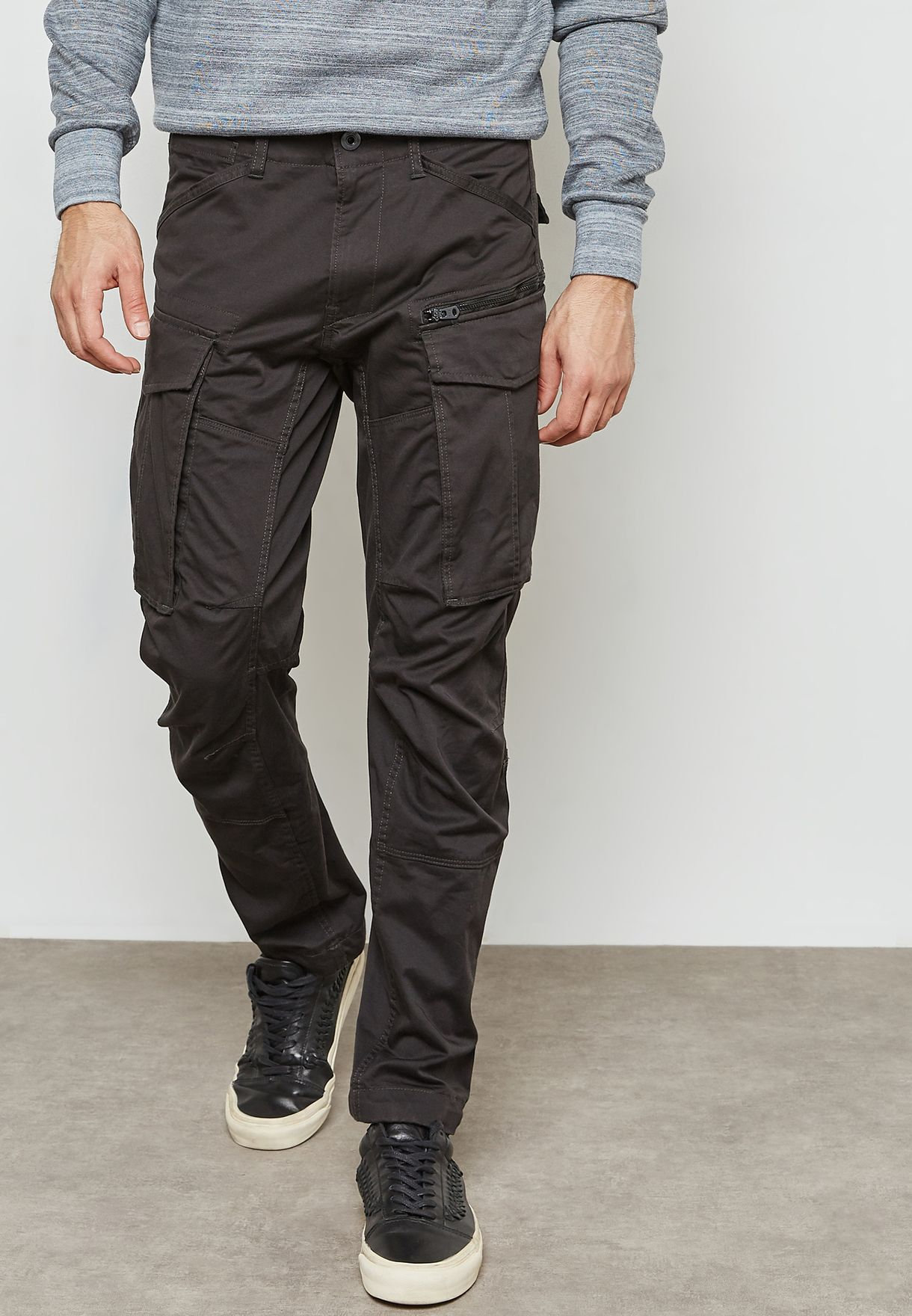 75cba8fe42e Shop G Star Raw grey Rovic Tapered Cargo D02190-5126-976 for Men in ...