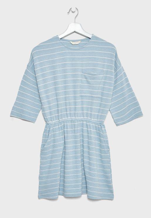 فستان مخطط بخصر مطاطي