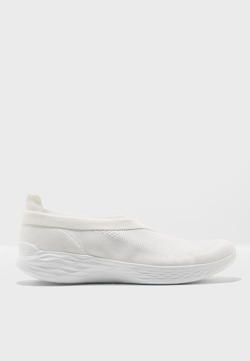 حذاء رياضة يو لوكس