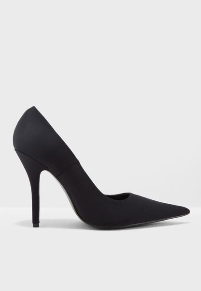 Court Heel Pumps