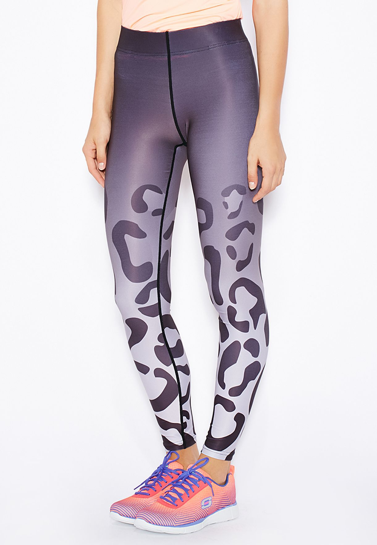 1caf7bf129eefb Shop Only play multicolor Leo Printed Training Tights for Women in ...