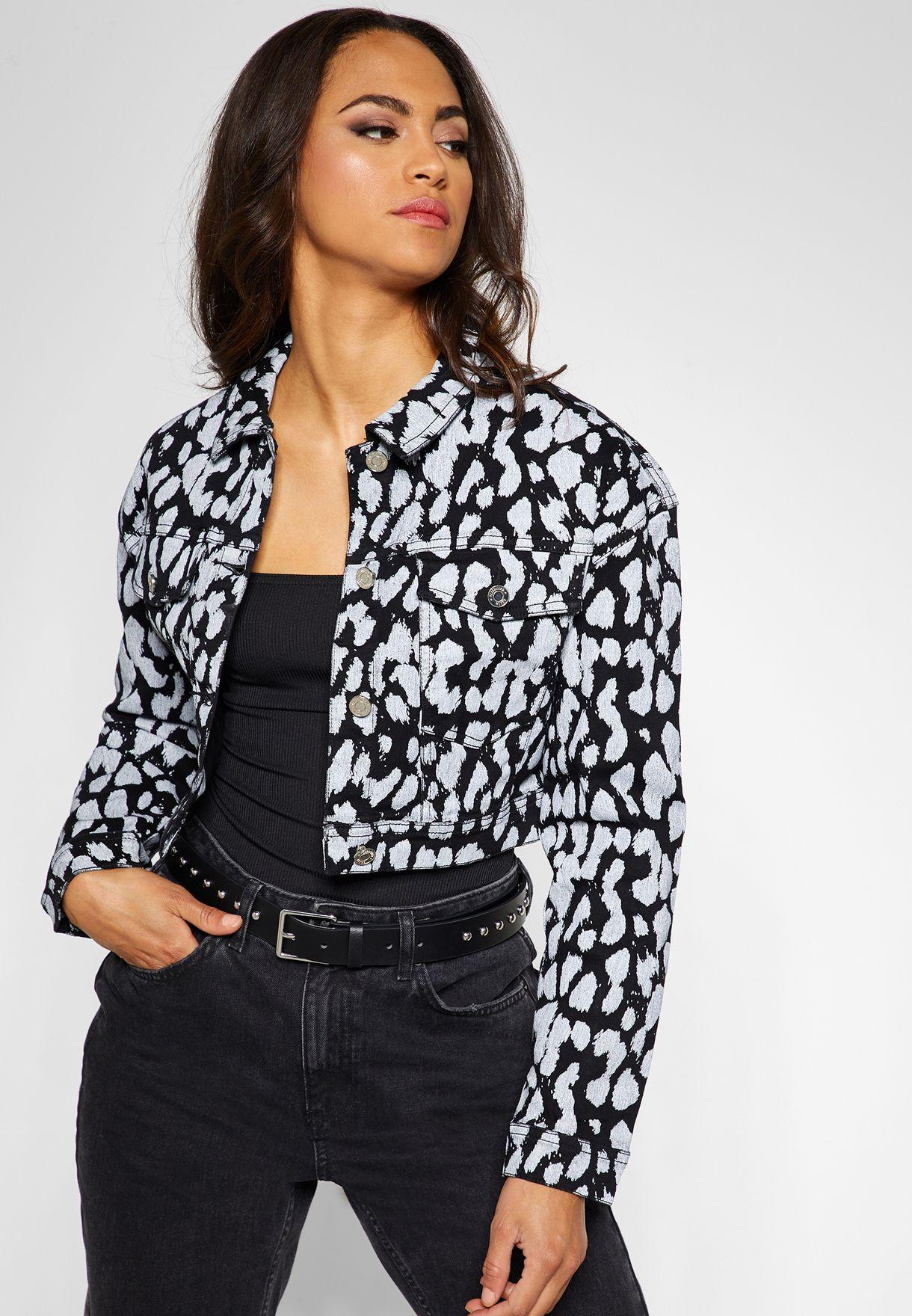 b2e2cd842298 Shop Missguided prints Leopard Print Cropped Denim Jacket G1805579 ...