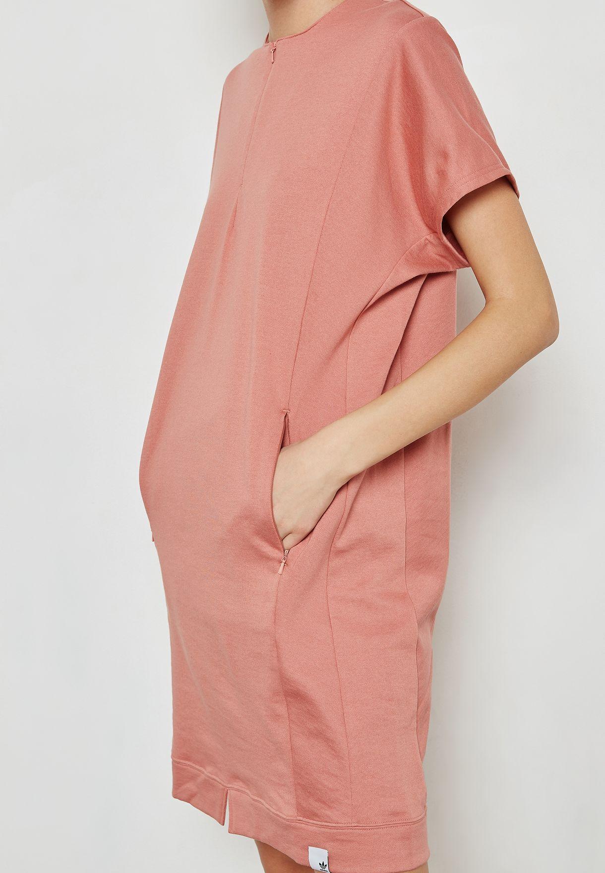 فستان من مجموعة اكس بي واي او