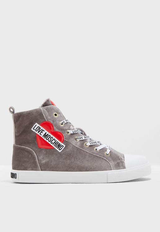 super popular e3faf c2052 High Top Sneaker