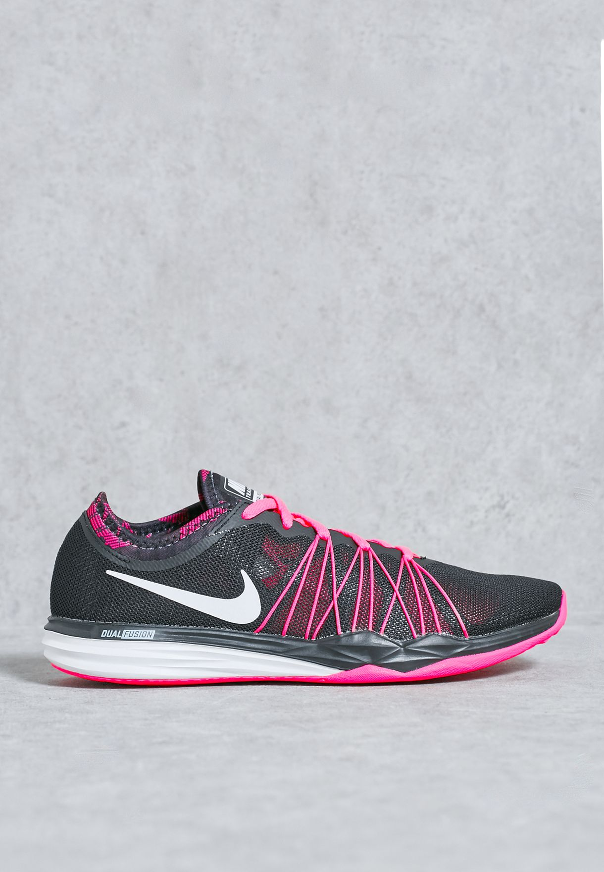 44d61e2d2ee0 Shop Nike black Dual Fusion TR Hit Print 844667-001 for Women in Kuwait -  NI727SH62AUF