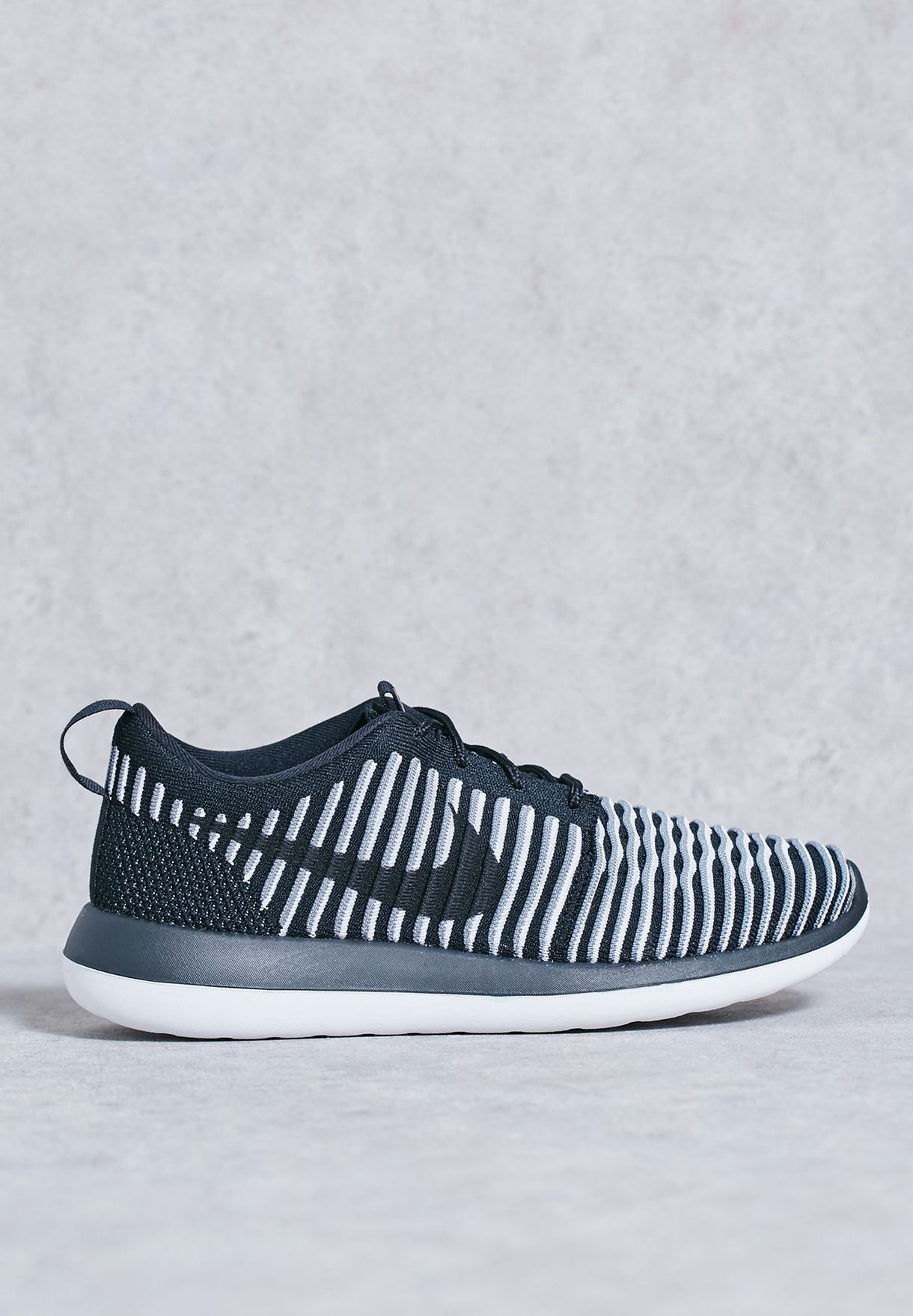 67baae7472b32 Shop Nike monochrome Roshe Two Flyknit 844929-001 for Women in UAE ...
