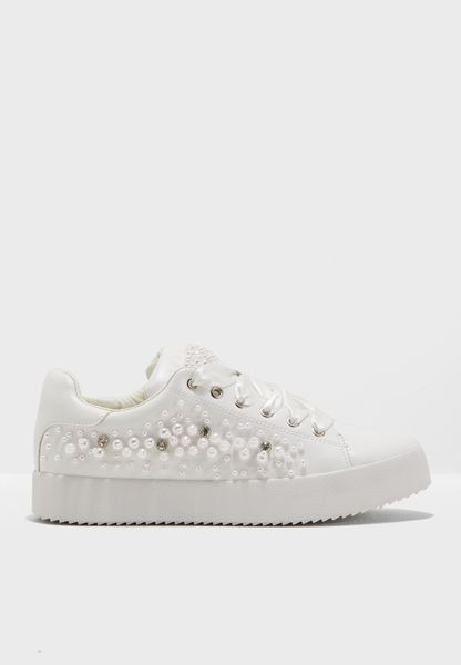 Alyvia Sneaker