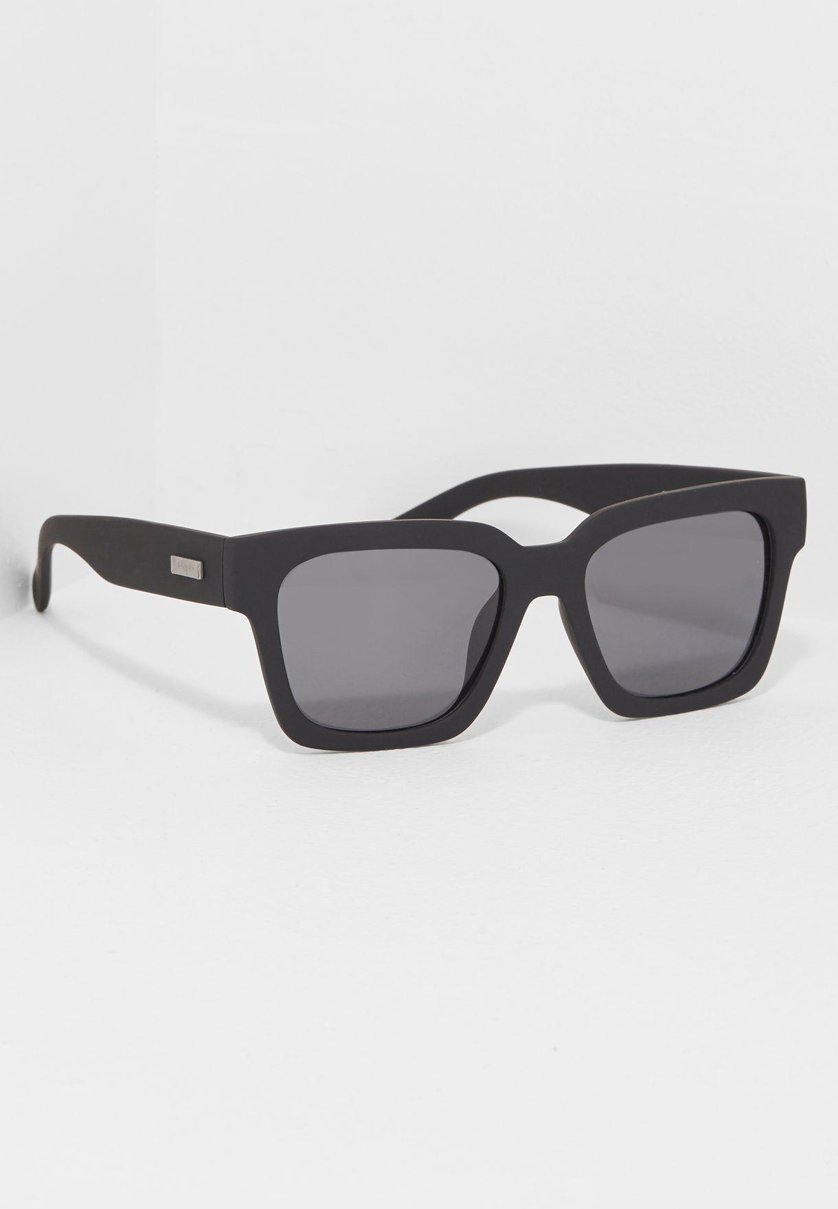 319b2d0bc تسوق نظارة شمسية ويك اند رايوت ماركة لو سبيكس لون أسود LSP1502125 في ...