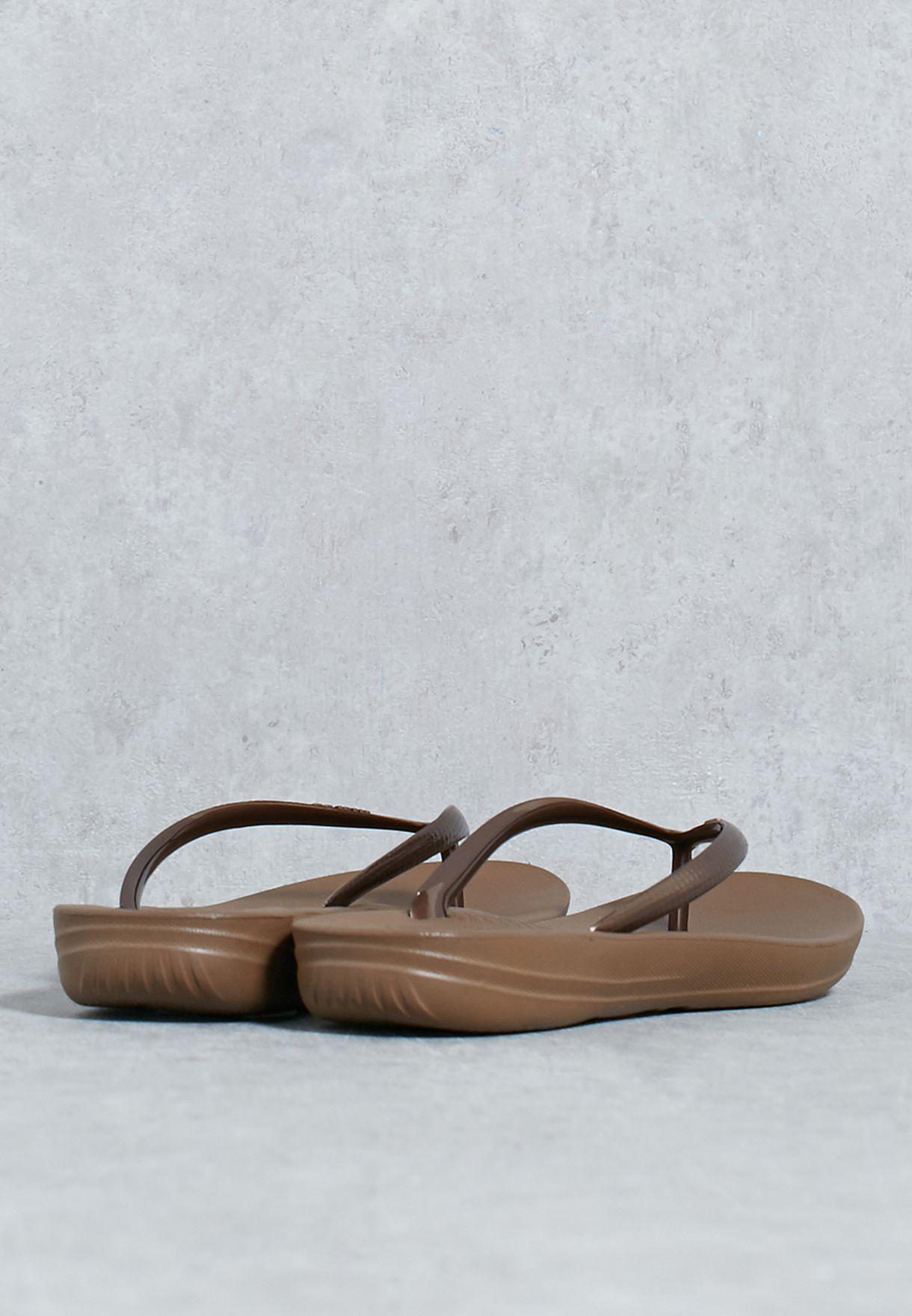 e6cb72c4d977 Shop Fitflop browns Iqushion Ergonomic Flip-Flops E54-012 for Women ...