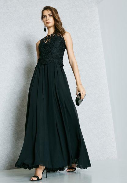 فستان بالدانتيل