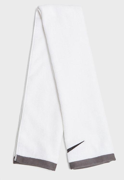 منشفة بشعار الماركة