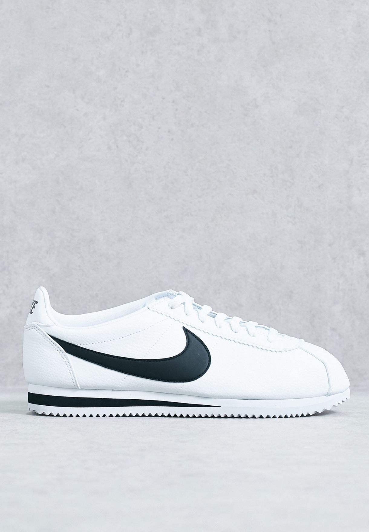 Shop Nike white Classic Cortez Leather 749571-100 for Men in UAE ... d76384aad