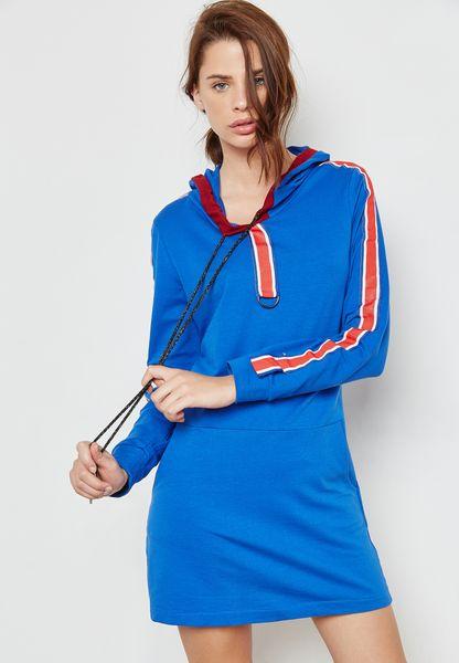 فستان بنمط هودي