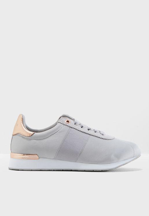 Emileio Sneaker