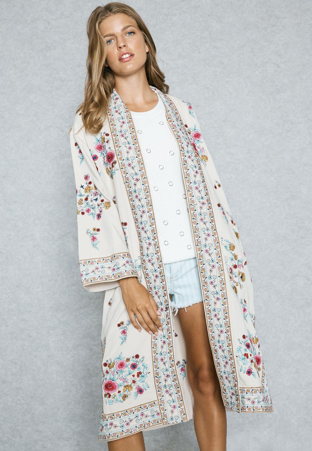muchos de moda belleza características sobresalientes Embroidered Kimono
