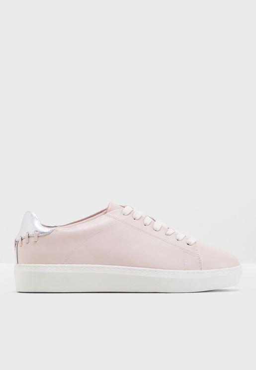 Lulia Sneaker