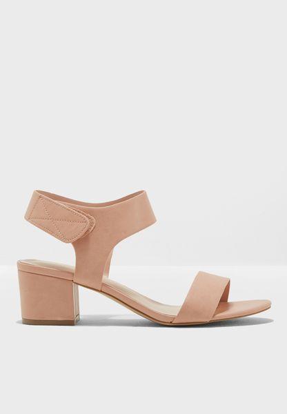 Mid Heel Blocky Sandal