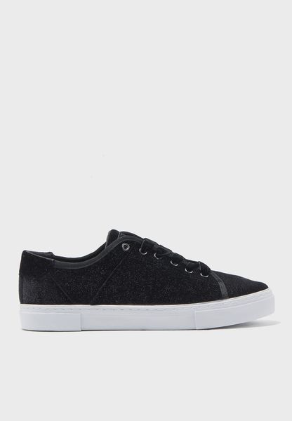 Goodone Low Top Sneakers