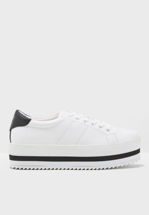 Ailaclya Lace Up Sneaker